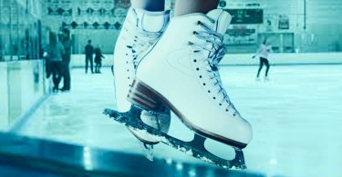How to stop on ice skates