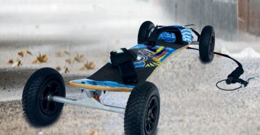 Atom-95x-MountainBoard-Review-for-Sports-Enthusiasts-Scooterlay-1