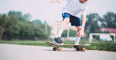 how to ride a skateboard
