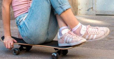 how to clean skate shoes