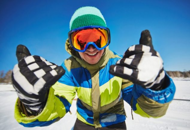 how to choose snowboard gloves