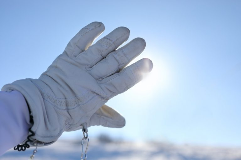 how to dry ski gloves